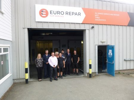 RICHARDSONS CELEBRATES ITS PARTNERSHIP WITH THE EURO REPAR CAR SERVICE NETWORK.